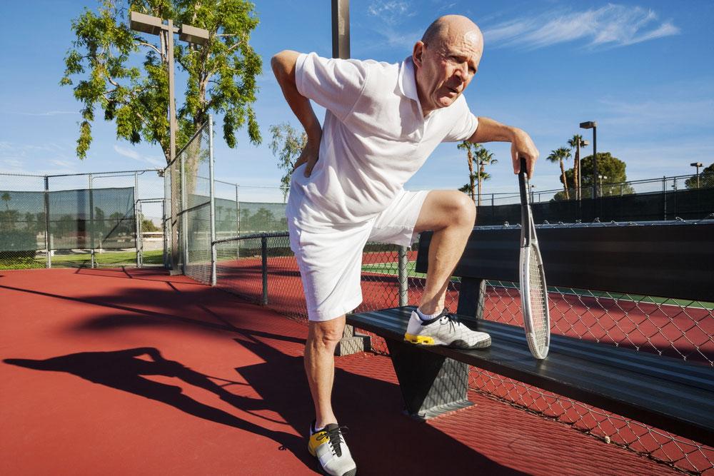 Mal de dos et tennis, comment le prévenir au maximum ?